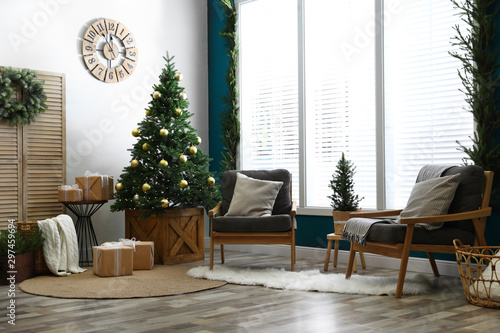 Fotomurales - Beautiful interior with decorated Christmas tree in living room